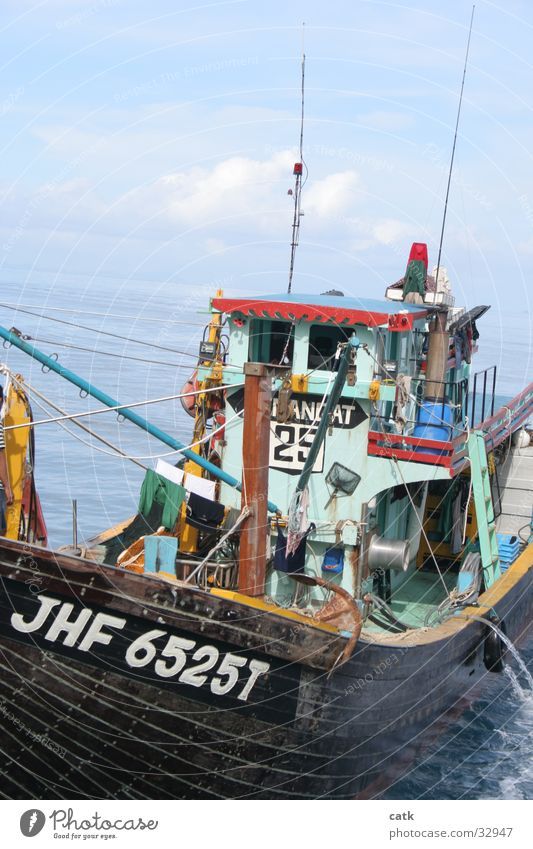 fishing boat Fishing (Angle) Fisherman Coast Ocean Malaya Navigation Fishing boat Watercraft Work and employment Catch Old Pulau Tioman Motor barge Colour photo