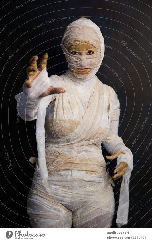 Mummy costume for carnival or Halloween Leisure and hobbies Carnival Hallowe'en Human being Feminine Young woman Youth (Young adults) Woman Adults 1