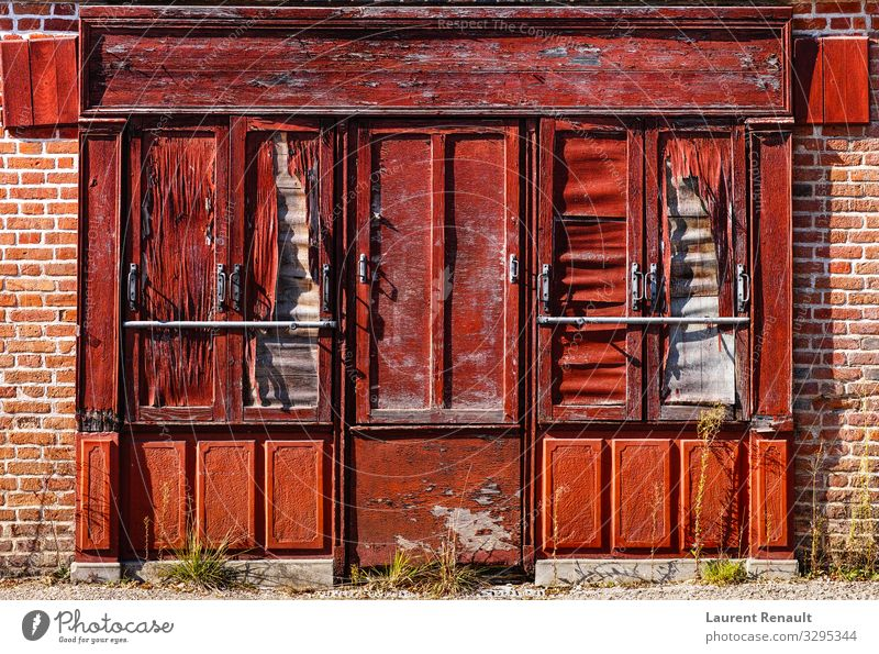 Vintage storefront in Saint-Viâtre Style Vacation & Travel House (Residential Structure) Town Architecture Rust Old Red Storefront vintage Storage France Europe
