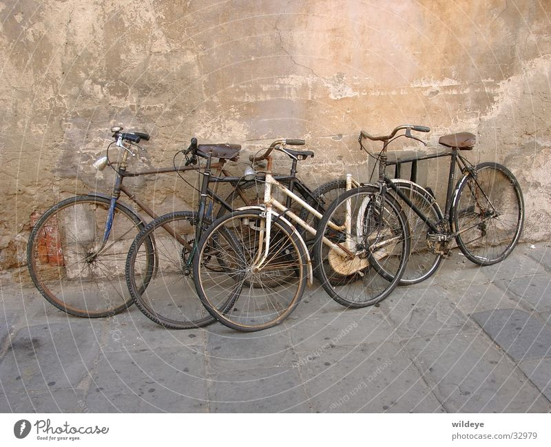 bicycles Bicycle Scrap metal Forget Time Transport Old Parking process
