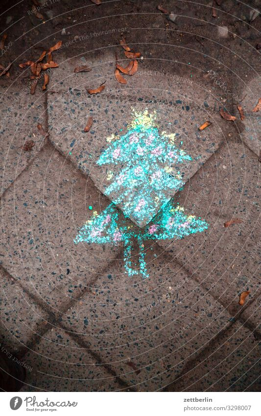 Christmas tree made of chalk Christmas & Advent Sidewalk Footpath Children's drawing Chalk Chalk drawing Paving stone Cobblestones Cobbled pathway