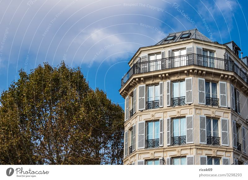 View of a building in Paris, France Relaxation Vacation & Travel Tourism City trip House (Residential Structure) Clouds Autumn Tree Town Capital city Building