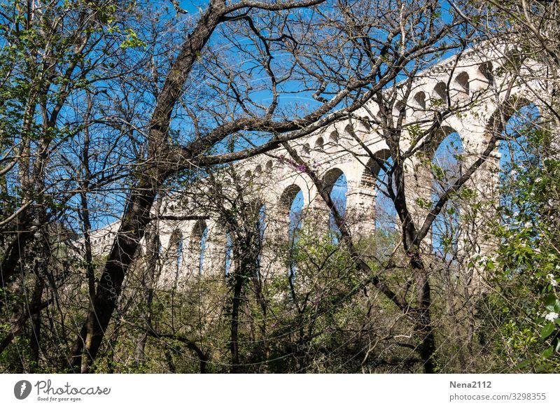 Aqueduct of Roquefavour aqueduc roquefavour France Southern France Roman bridge Roman arch bridge Roman double arch bridge Roman architecture Architecture