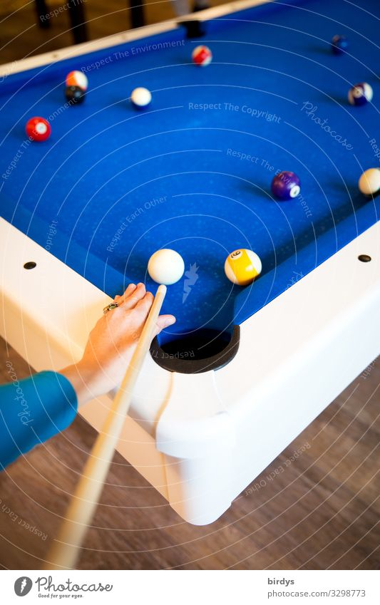 pool billiards Leisure and hobbies Playing Pool (game) 1 Human being Billard bowle Pool billard Authentic Positive Blue White Joy Together Resolve Colour