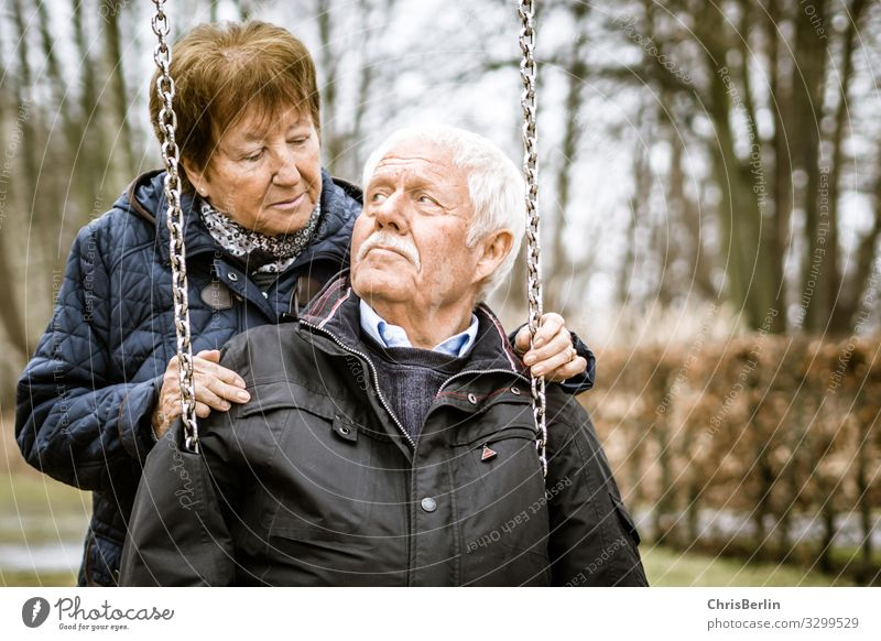 Woman Human being Man Old Adults Autumn Love Senior citizen Emotions Happy Couple Together Friendship Contentment 60 years and older Joie de vivre (Vitality)