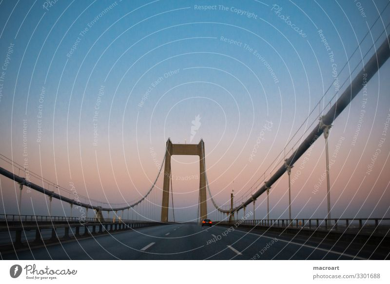 Bridge from Denmark to Sweden Sky River Steel cable Architecture Town Checkmark road Blue arrive Water Dusk Main street Reference point traffic installations