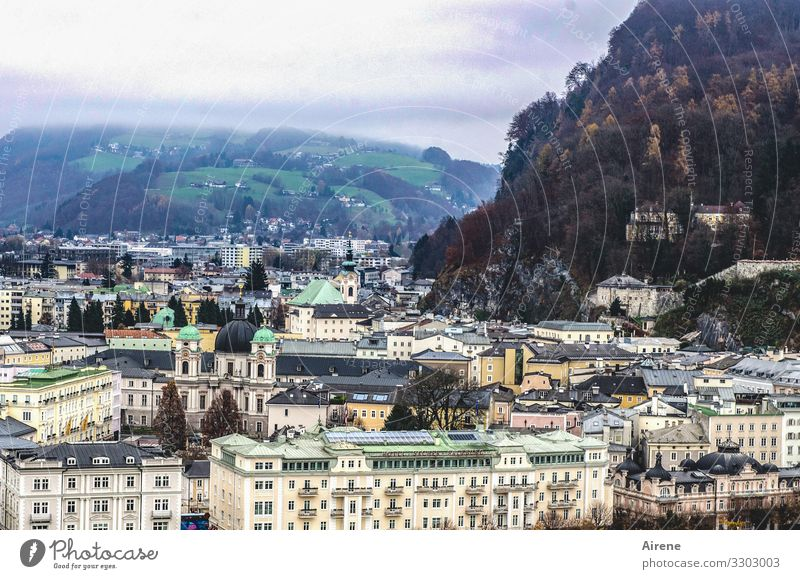 on a dark day Town Old town Architecture Facade Tourist Attraction Dark Gloomy Salzburg Church Places Classicism Monastery Mozart Hill Winter Bad weather Cold