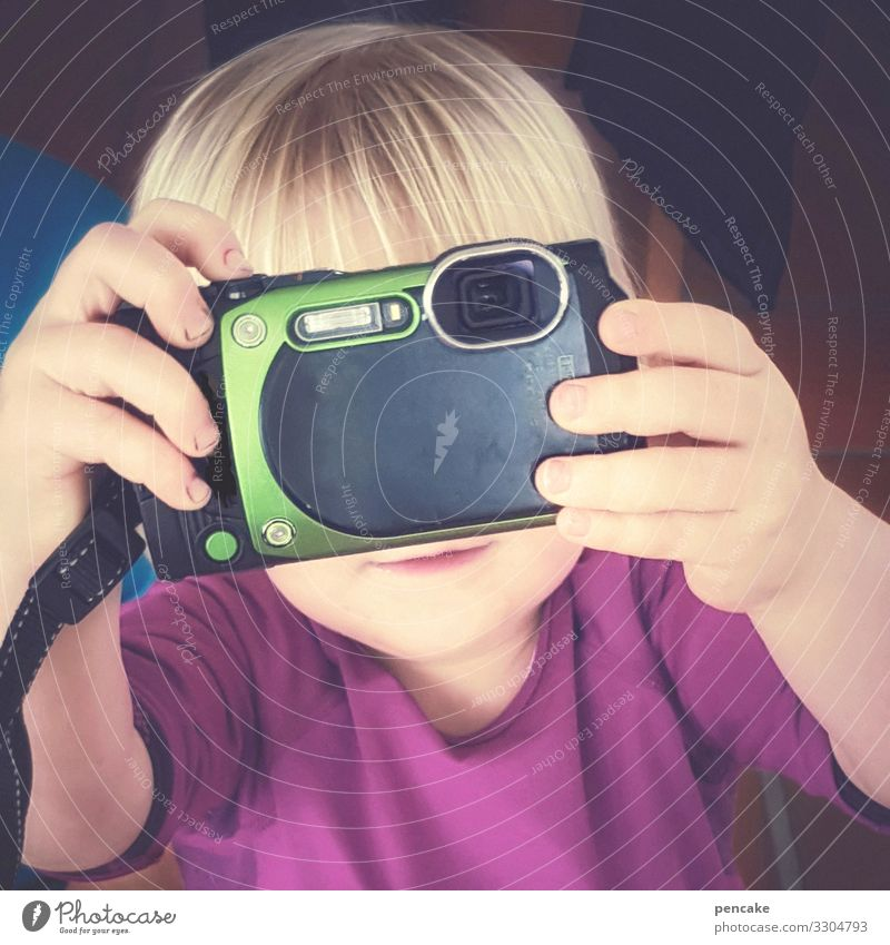 Joy Girl Leisure and hobbies Technology Blonde Infancy Study Observe Camera Relationship Inspiration Toddler Resolve Independence Take a photo Focus on