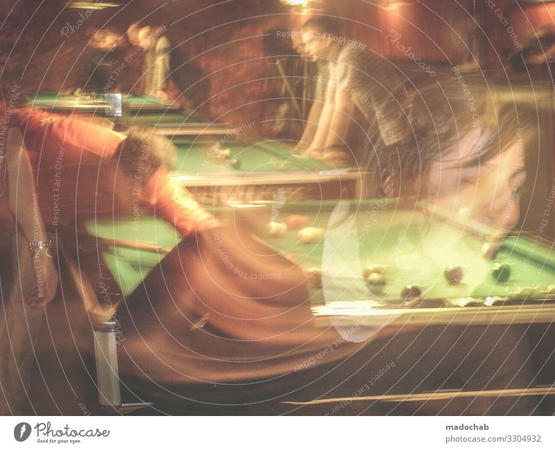 billiard Lifestyle Style Leisure and hobbies Playing Pool (game) Night life Entertainment Event Sports Sporting event Human being Group Crowd of people Joy