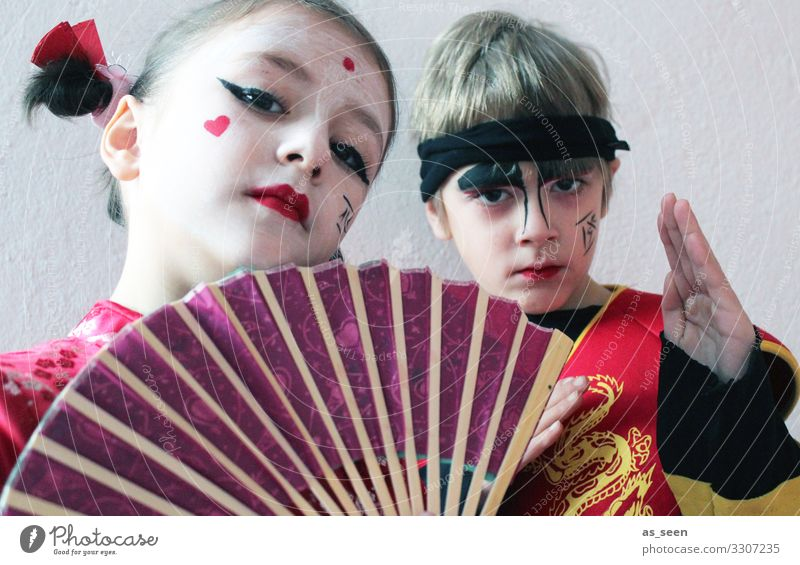 Geisha and Samurai Carnival Girl Boy (child) Infancy Life Face 2 Human being 3 - 8 years Child 8 - 13 years Stage play Youth culture Shows Fashion Clothing