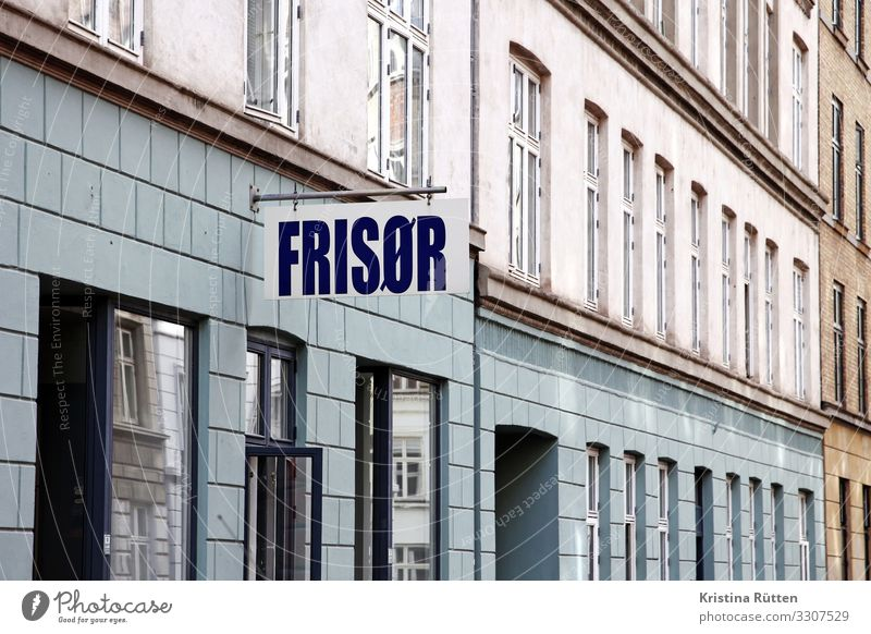 frisor Personal hygiene House (Residential Structure) Hairdresser Craft (trade) Town Building Facade Window Signs and labeling Load sign Advertising Billboard