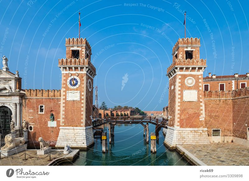 Vacation & Travel Old Blue Town Water House (Residential Structure) Relaxation Clouds Architecture Building Tourism Facade Watercraft Europe Idyll Bridge