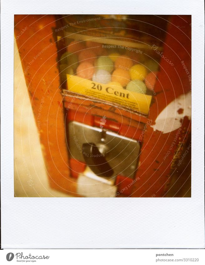 Amount of money childhood memories. Polaroid of a chewing gum machine Food Candy Shopping Style Joy Chewing gum Infancy Gumball machine Cent 20 Rotate Paying