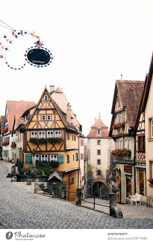 Rothenburg ob der Tauber Vacation & Travel Tourism City trip Living or residing Flat (apartment) House (Residential Structure) Small Town Downtown Old town