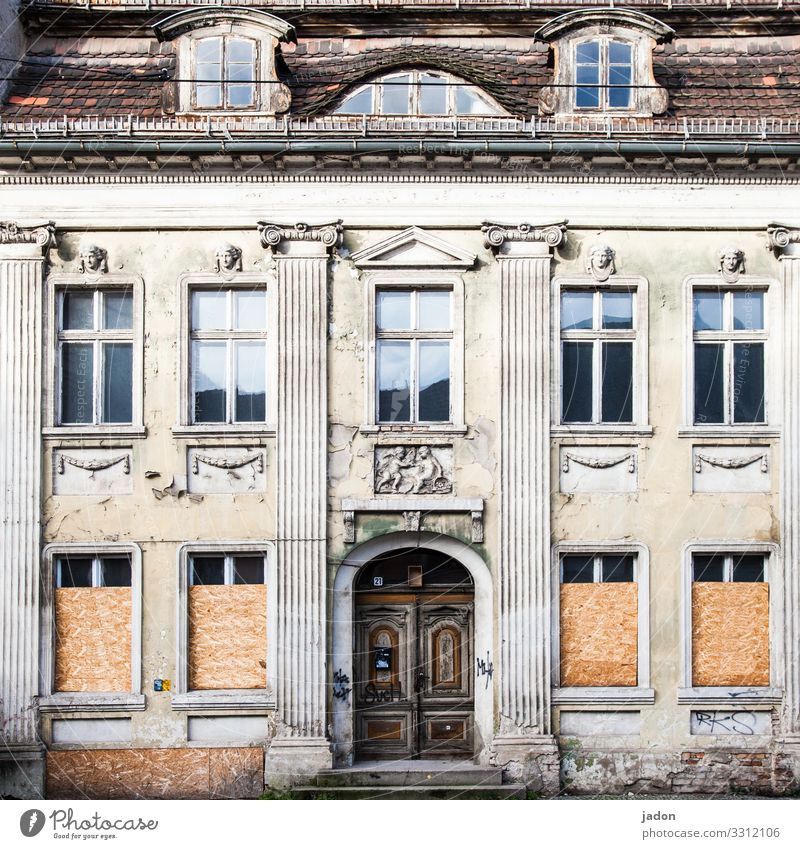 Old Town House (Residential Structure) Window Architecture Lifestyle Building Facade Flat (apartment) Door Elegant Transience Broken Downtown Ornament