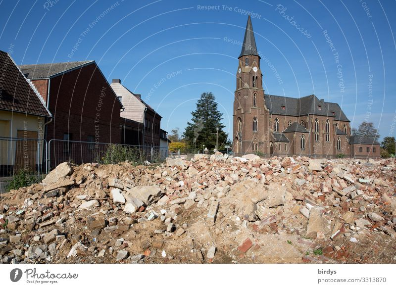 Manheim in NRW. RWE destroys entire villages Energy industry Climate change Destruction Germany Village Church Building rubble Politics and state