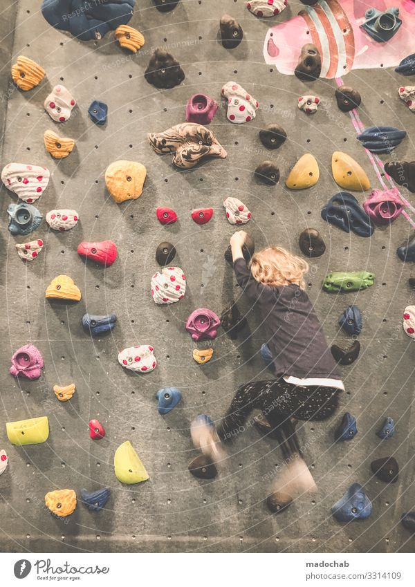 Climbing hall Child Crashing hall Indoor Sports Bouldering Leisure and hobbies Mountaineering Fitness Lifestyle Force Rock hang Strong Grasp practice Climber