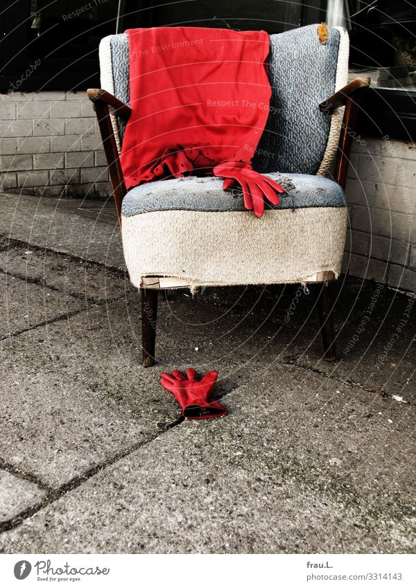 red Armchair Club Disco Cinema Gloves Old Hip & trendy Broken Retro Red Wool blanket Film room Leather Colour photo Exterior shot Copy Space bottom Day