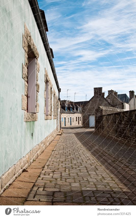 Breton lanes Tourism Beautiful weather Village Fishing village Small Town Port City Old town Deserted House (Residential Structure) Manmade structures Building