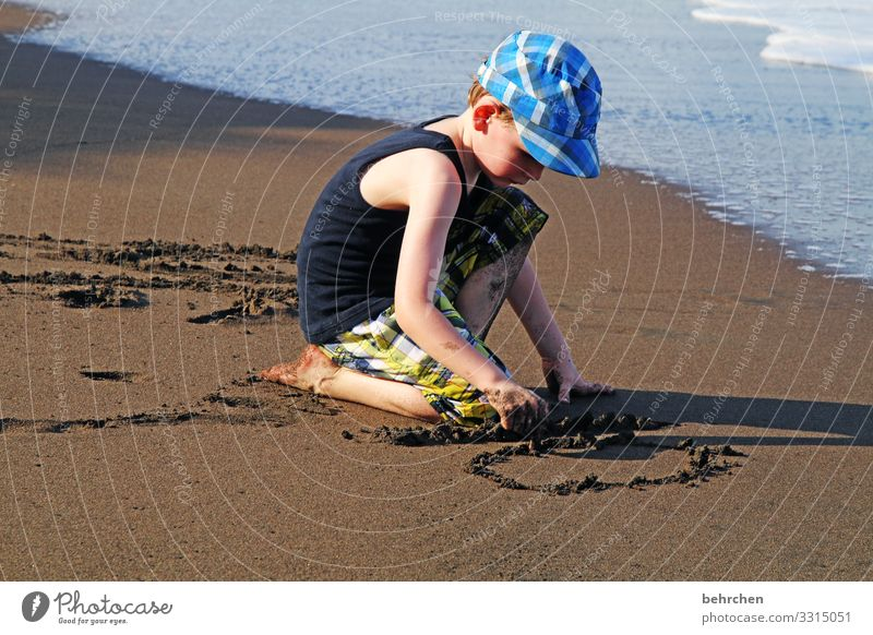 Child Vacation & Travel Hand Ocean Far-off places Beach Face Adults Coast Family & Relations Boy (child) Tourism Playing Freedom Feet Head