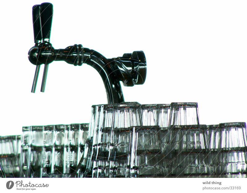 Beer Café Alcoholic drinks Beverage Pub Spigot Tumbler Lever Beer glass