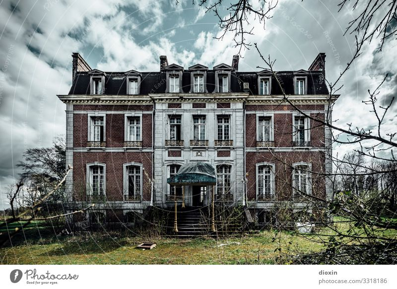The Lost Hotel House (Residential Structure) Dream house Manmade structures Building Architecture Old Authentic Exceptional Dirty Dark Creepy Trashy Town