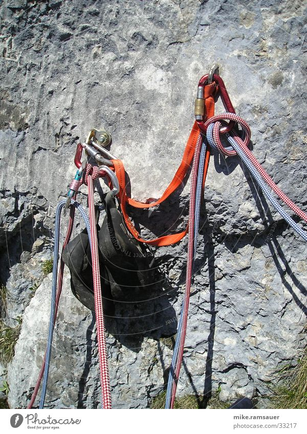 The stand Mountaineering Checkmark Extreme sports Climbing Collateralization rope technique Knot Rock