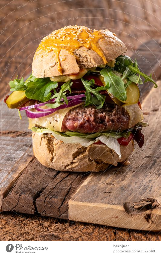 Cheeseburger Meat Vegetable Bread Roll Lunch Table Wood Dark Fresh Delicious Hamburger Rustic Bacon roasted brioche Focal point Selective Soft cheese