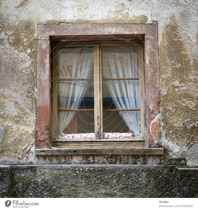 saddish House (Residential Structure) Window Old Authentic Broken Original Gloomy Brown Gray Loneliness Senior citizen Poverty Society Stagnating Sadness Town