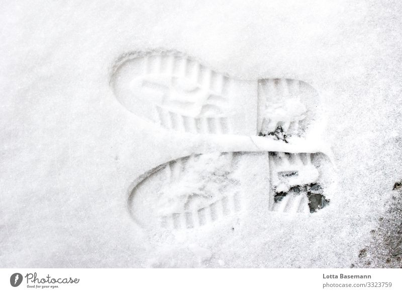 Lechts And Rinks shoe prints Tracks Snow Left Right interchanged Winter Season Close-up Bird's-eye view Exterior shot out Nature Footprint Opposite Vanished