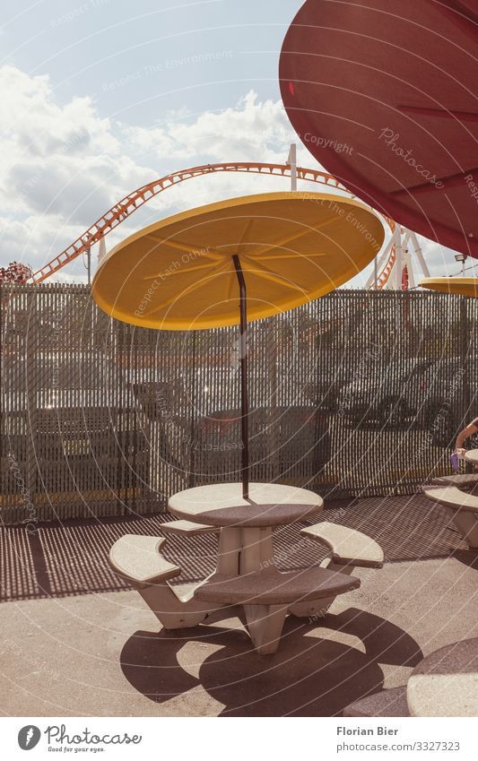 """Mary poppins Fast food Amusement Park Table Coney Island USA Americas Concrete Plastic Eating Drinking Town Hospitality Vacation & Travel """"Parasol"""