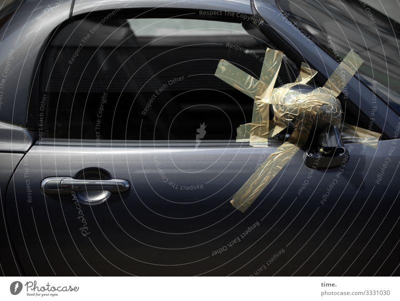 First aid Trashy daylight Sunlight car Glass Window Blind Shadow exterior mirrors Adhesive tape Motor vehicle Broken Varnish Creativity Help Car door