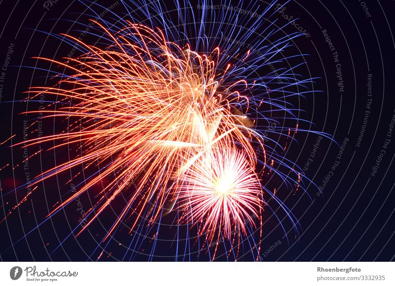 fireworks Night life Entertainment Party Event Feasts & Celebrations New Year's Eve Fairs & Carnivals Wedding Birthday Environment Fire Sky Night sky Horizon