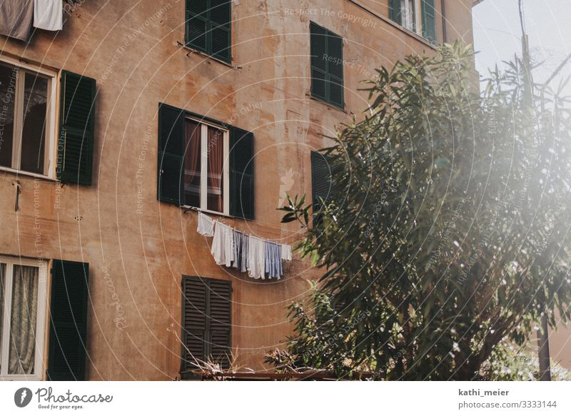 washing day Italy Village Small Town Old town House (Residential Structure) Facade Discover Relaxation Laundry Clothesline Washing Rent Flat (apartment)