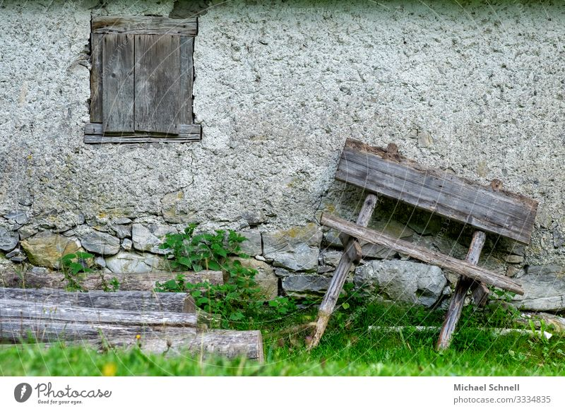 Crooked bench tannheim Tannheimer Valley House (Residential Structure) Manmade structures Building Wall (barrier) Wall (building) Sit Old Decline Past