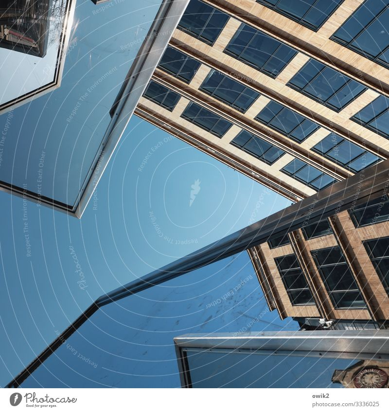 exterior mirrors Art Work of art Sculpture Cloudless sky Beautiful weather Downtown Berlin bailiwick square Capital city House (Residential Structure)