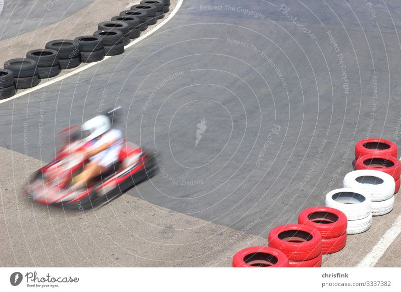 Motorcart race track Motorsports Child Human being Young man Youth (Young adults) 1 Transport Road traffic Motoring Street Vehicle Car Driving Dangerous