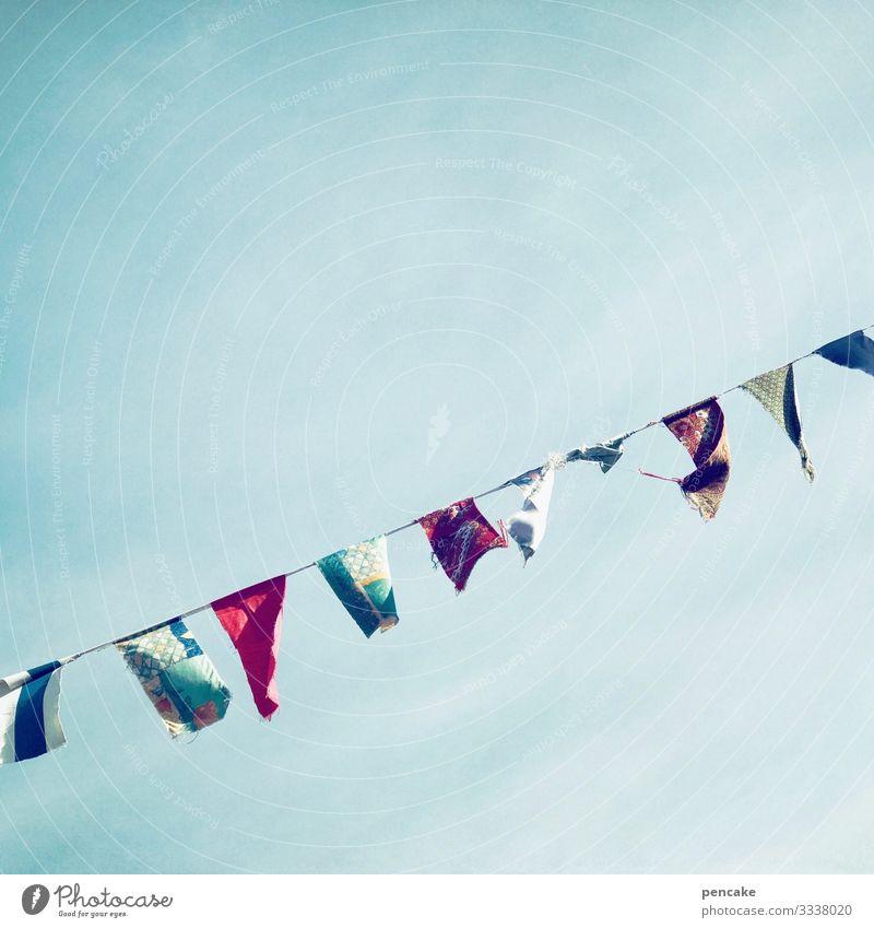 seilschaft schnur girlande tücher karneval fröhlich bunt himmel