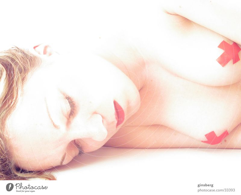 Slumbering female being Feminine Lips Red Make-up White Exposure Overexposure Time Stagnating Calm Concealed Man feminine forms Nude photography Breasts Bright