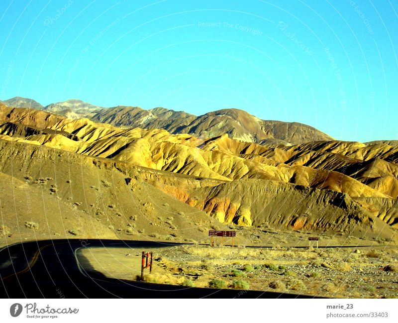 Death Valley Hill Death valley Nationalpark Loneliness Desert Lanes & trails Mountain folding Street Curve Nature Rough