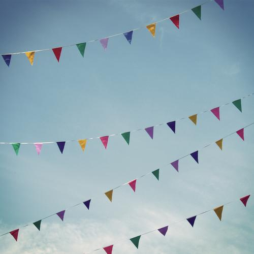 SkyLines Style Summer Kitsch Joy Happy Happiness Contentment Joie de vivre (Vitality) Ease Moody Flag Symbols and metaphors Multicoloured Triangle Rope Hang