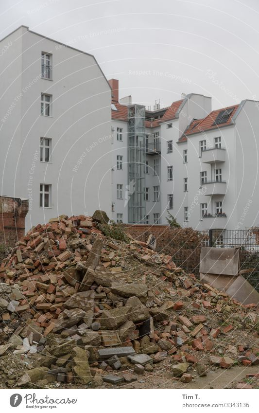 Berlin Weissensee Town Capital city Downtown Old town Deserted House (Residential Structure) Wall (barrier) Wall (building) Living or residing Future