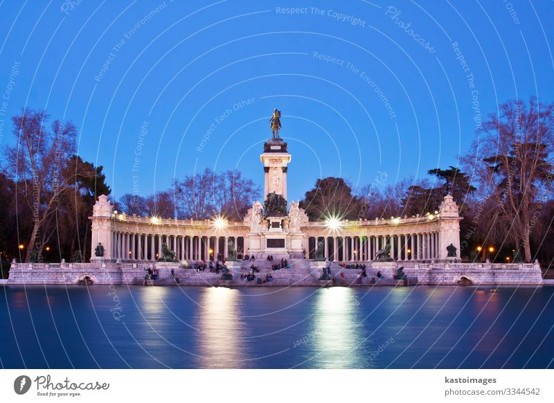 Memorial in Retiro city park, Madrid Relaxation Leisure and hobbies Vacation & Travel Tourism Summer Garden Family & Relations Culture Tree Flower Park Pond