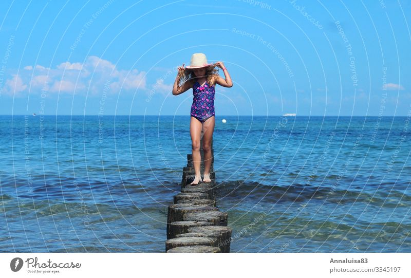 Alone by the sea Human being Feminine Child Girl Young woman Youth (Young adults) Sister Infancy 1 3 - 8 years Water Sun Sunlight Summer Beautiful weather
