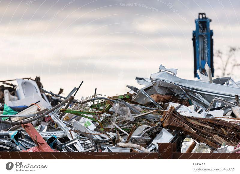 #On the dump 1 Concrete Wood Glass Metal Senior citizen Garbage dump Trash Bulk rubbish altmetal Colour photo Exterior shot