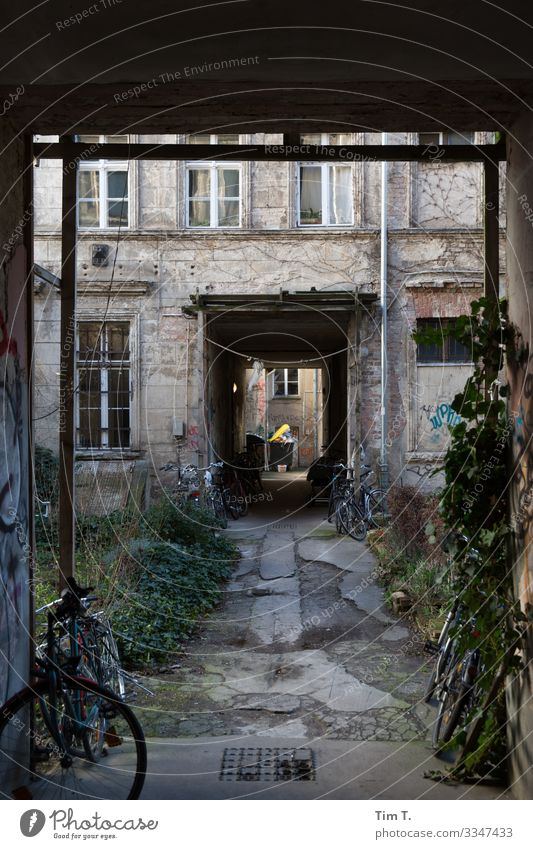Backyard Berlin 2020 Prenzlauer Berg Old building Town Deserted House (Residential Structure) Exterior shot Capital city Day Old town Downtown