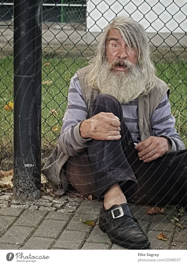 People on the margins of society - one step further Human being Masculine Male senior Man 60 years and older Senior citizen Old Looking Sit Sadness Dirty