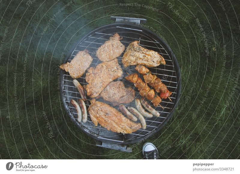 angrillas Food Meat Sausage Nutrition Lunch Picnic Leisure and hobbies Barbecue (event) Vacation & Travel Camping Summer vacation Masculine Feet Garden Park