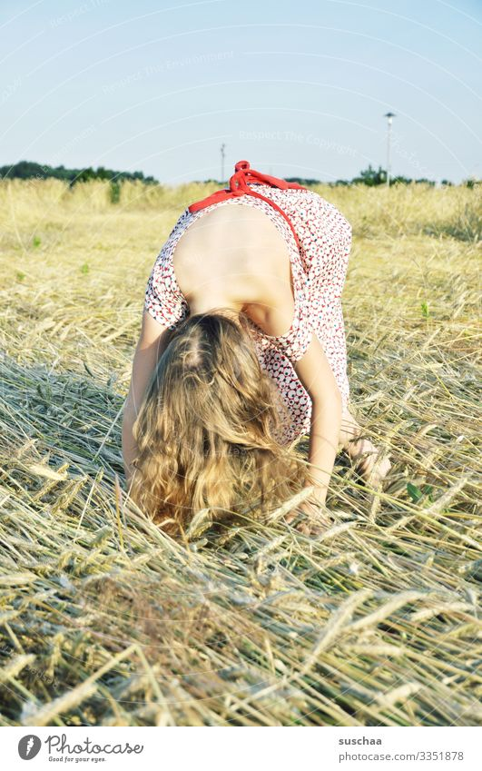 maybe it'll be a handstand (?) Child Girl Grain field Cornfield Wheat Barley Straw Summer Exterior shot Bend Crooked Downward Hair and hairstyles Summery