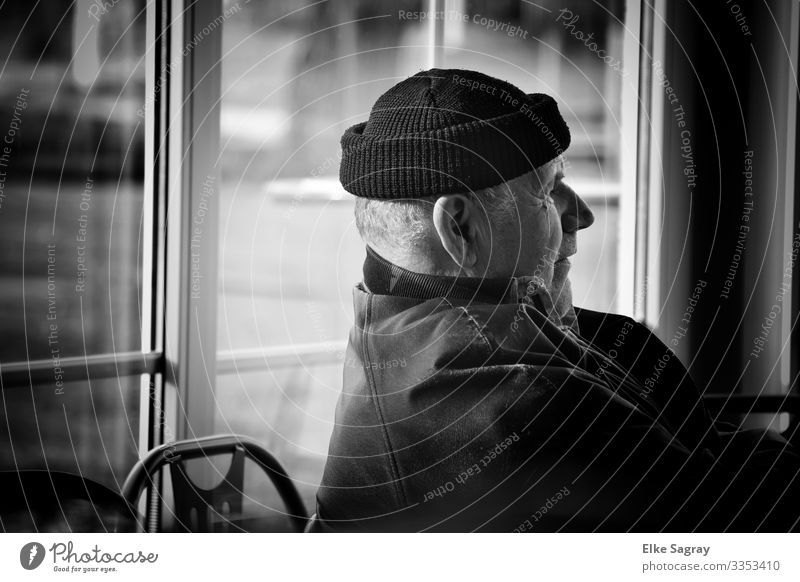Thoughtful Human being Male senior Man 60 years and older Senior citizen Think Authentic Natural Black Contentment Secrecy Black & white photo Interior shot